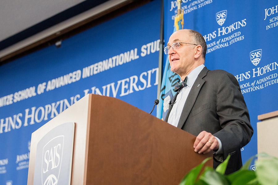 Dean Eliot A. Cohen delivers a lecture at Johns Hopkins SAIS.